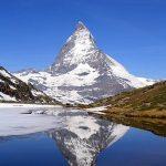 396px-Matterhorn_Riffelsee_2005-06-11